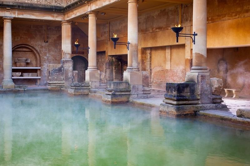На фото: Римские бани, бассейны, термы.